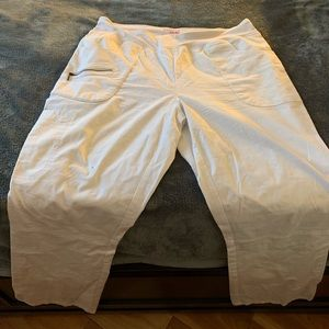 Beyond scrubs brand white scrub pants sz L